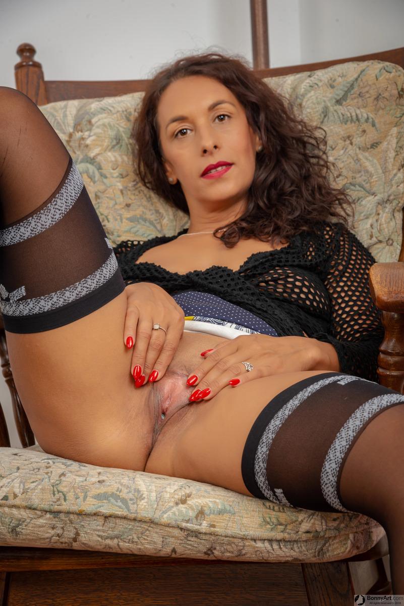Mature Woman Spreading Long Labia