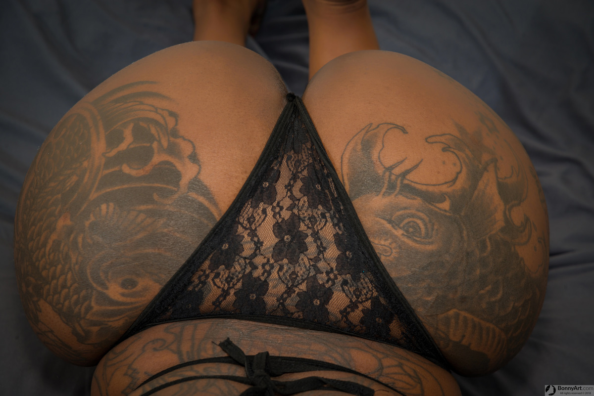 Massive Tattooed Brown Booty Up with Thong
